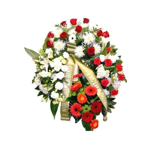 Corona con flores variadas